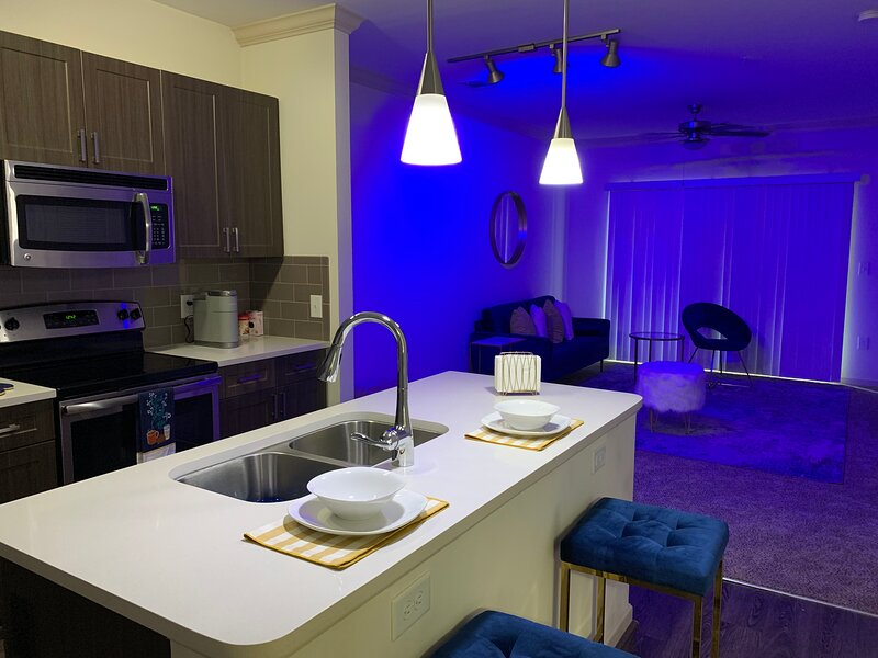 Cozy 1BR 1B Blue Retreat, holiday rental in Clarkston