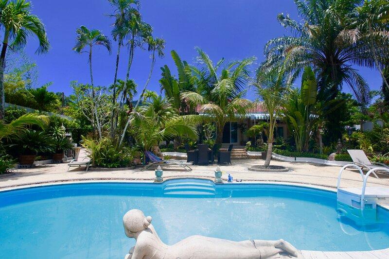 Sunshine Villa  and Diving School, location de vacances à Sakhu