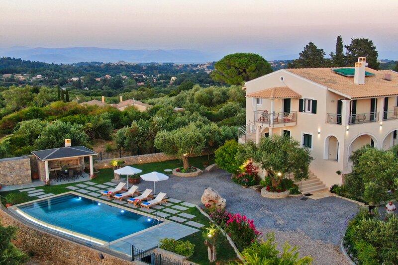 Villa Caesar Corfu, alquiler de vacaciones en Agios Ioannis