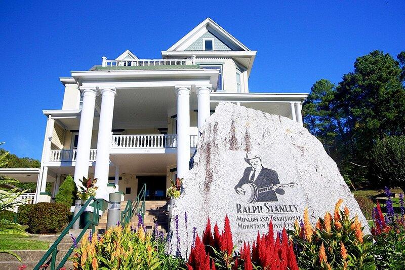 Ralph Stanley Museum Lodging, Ferienwohnung in Clintwood