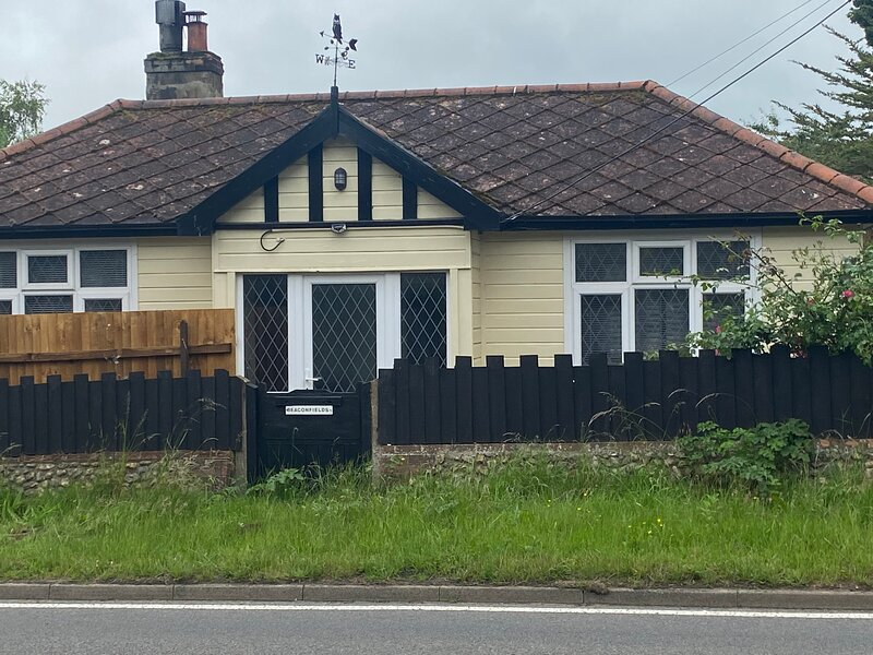 Cosy family friendly cottage, holiday rental in Roughton