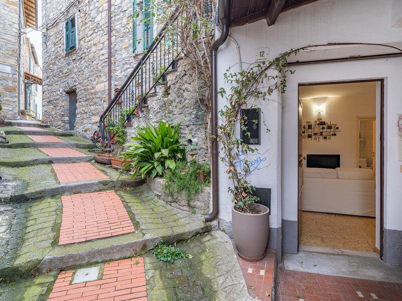 Casa Teresa (VFI100), holiday rental in Villa Faraldi