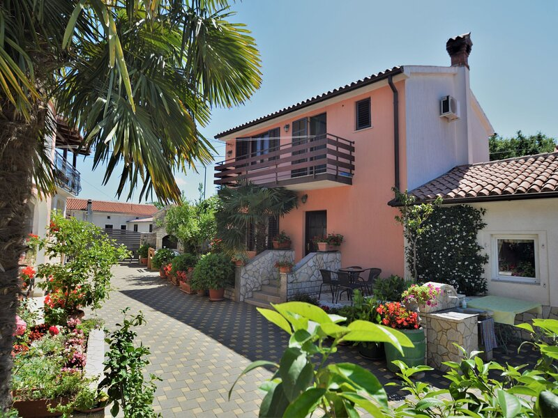 Milka 1 (ROJ315), holiday rental in Foli