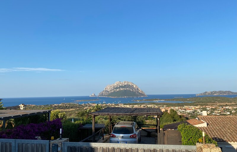 Claude&Kate's dream's house - Sea View, holiday rental in Porto San Paolo