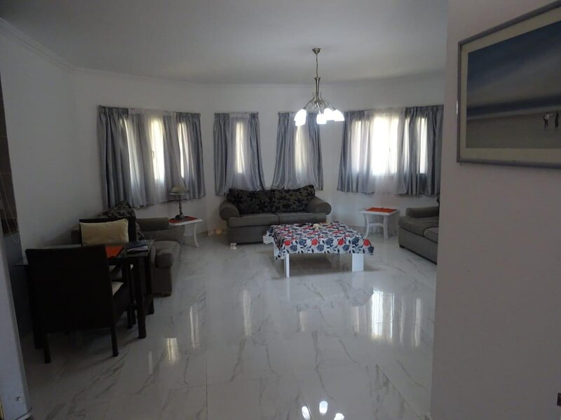 310 - Perfect location for Mamsha. Regency Towers, Hurghada, holiday rental in Hurghada