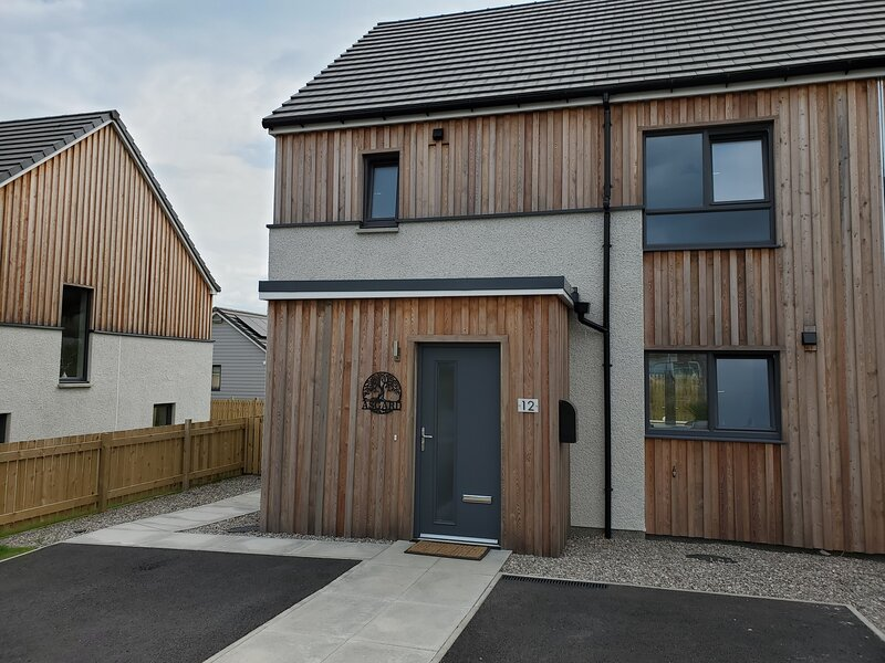 Asgard House - Contemporary, Cosy house in the Cairngorms National Park, holiday rental in Grantown-on-Spey