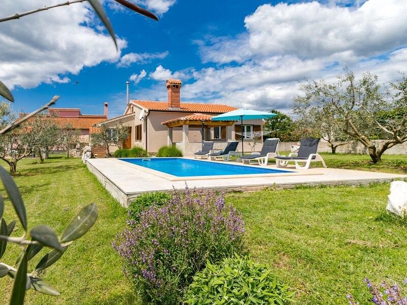 Alka (LBN361), holiday rental in Grabri