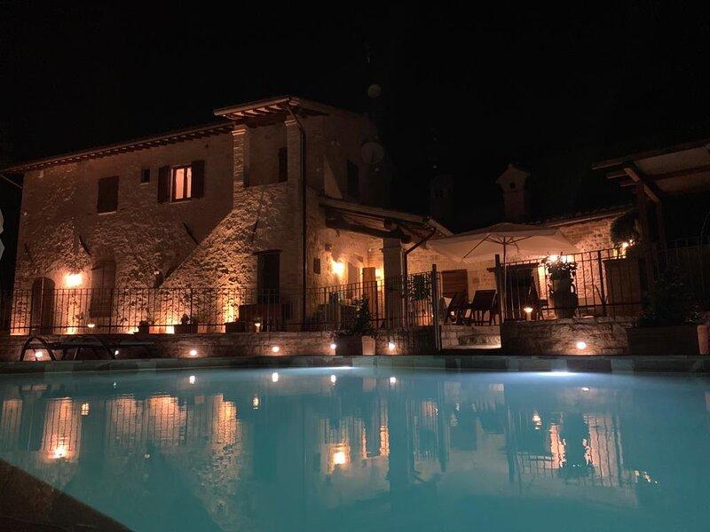 DOMUS CLARA - VILLA CON PISCINA PANORAMICA, holiday rental in Armenzano