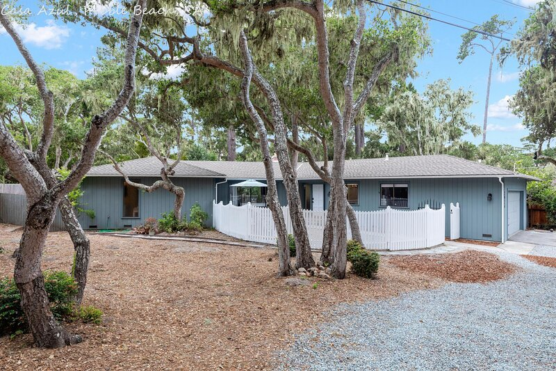 Freshly Remodeled Pebble Beach Three Bed, location de vacances à Pacific Grove