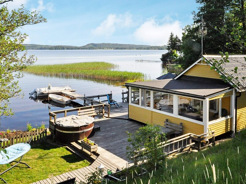 6 person holiday home in DEGERFORS – semesterbostad i Degerfors