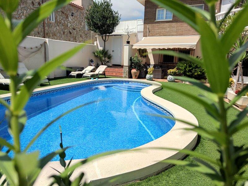 Apartamento individual en los bajos de un chalet, vacation rental in Masriudoms