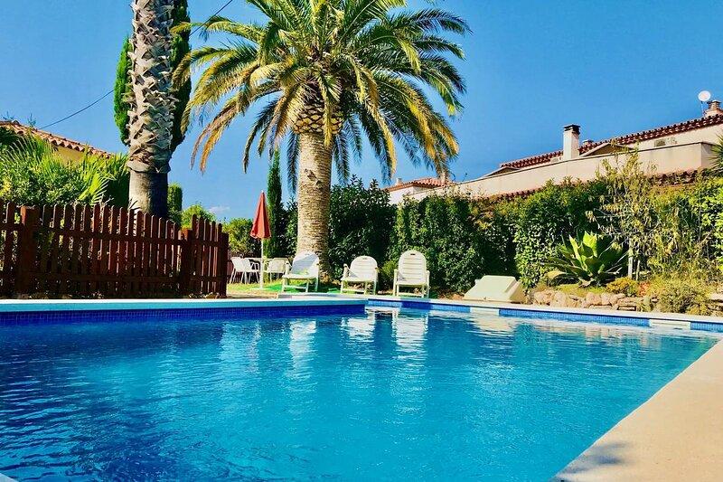 VILLA+PISCINA PRIVADA MIAMI-PLAYA,  6 PERS., holiday rental in Montroig