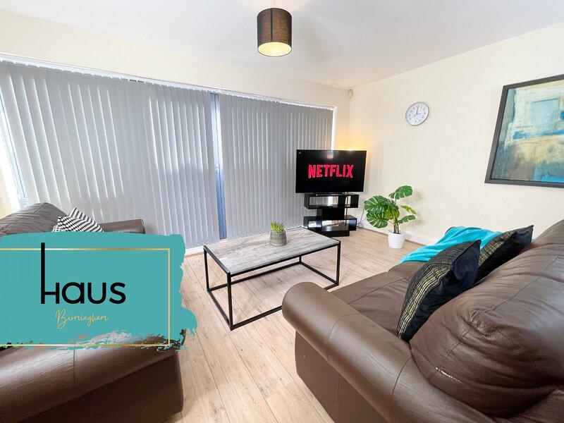 Haus Apartments Center Townhouse & Secure Parking, location de vacances à Stirchley
