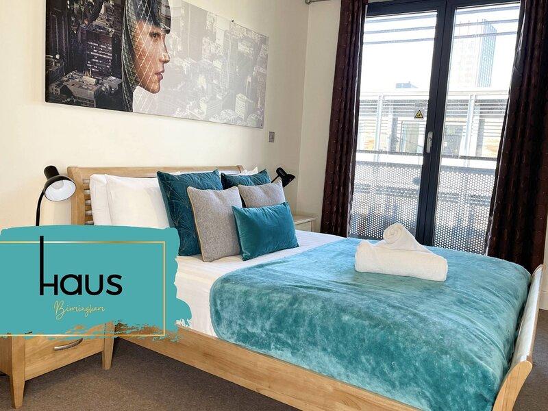 Haus Apartments Arcadian City Centre 2 Bed - Parking & Balcony, location de vacances à Birmingham