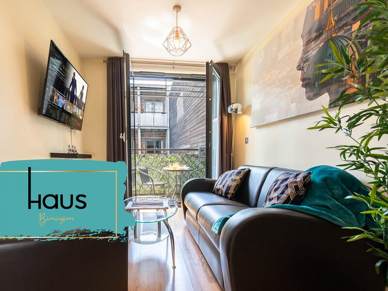 Haus Apartments Arcadian 1 Bed Balcony & Parking, holiday rental in Digbeth