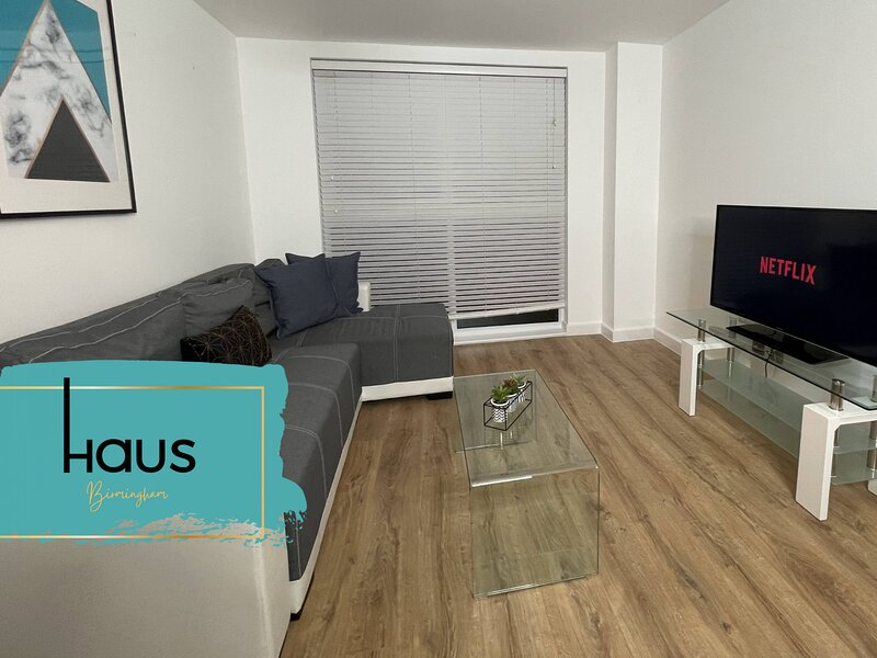 Haus Apartments Birmingham 1 Bed with Parking, holiday rental in Digbeth