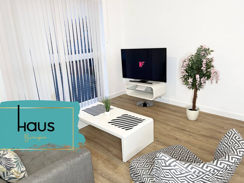 Haus Apartments Birmingham 2 Bedroom with Parking, holiday rental in Digbeth