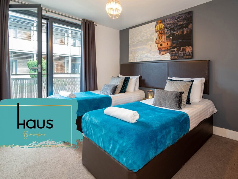 Haus Apartments Arcadian 2 Single Beds with Balcony & Parking, holiday rental in Digbeth