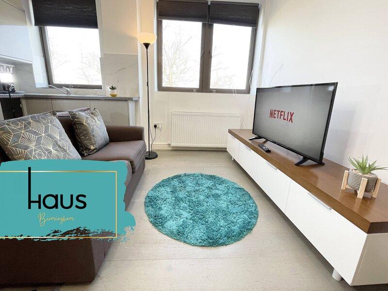 Haus Apartments 1 Bed with Parking, location de vacances à Tamworth