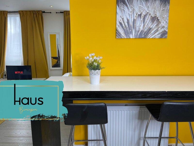 Haus Apartments Studio with Parking, location de vacances à Tamworth