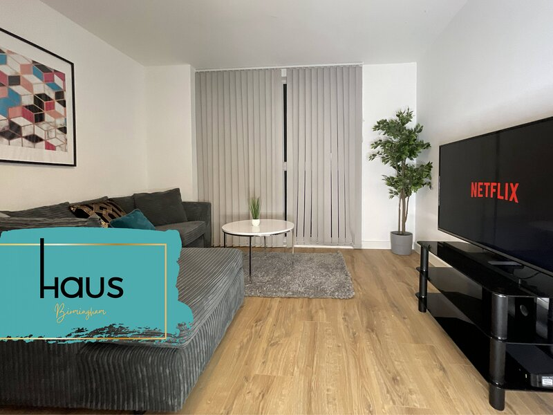 Haus Apartments Birmingham Two Bed with Parking, holiday rental in Digbeth