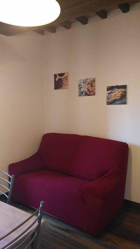 Residence Garibaldi: bilocale in centro a Foligno, holiday rental in Foligno