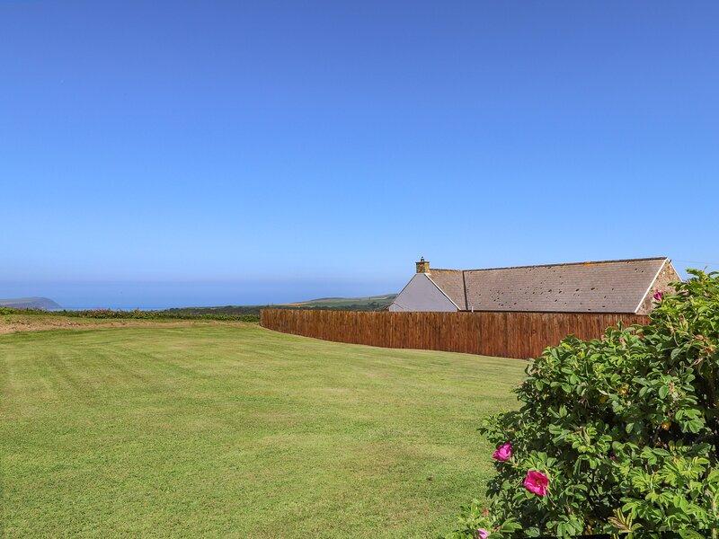 Llys Mor, Newport, Pembrokeshire, vacation rental in Rosebush