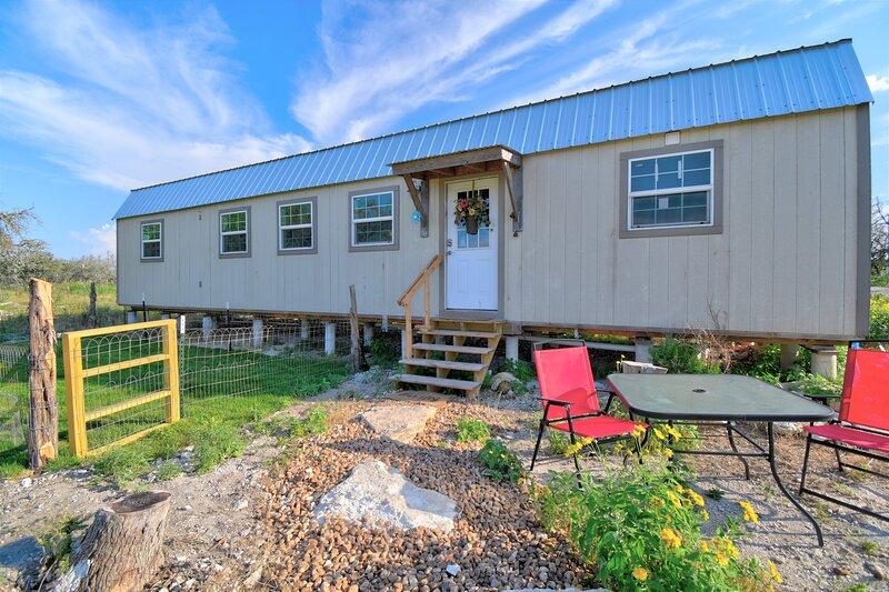 Cozy cabin in the Texas Hill Country, near Fredericksburg, Kerrville & Mason., casa vacanza a Harper