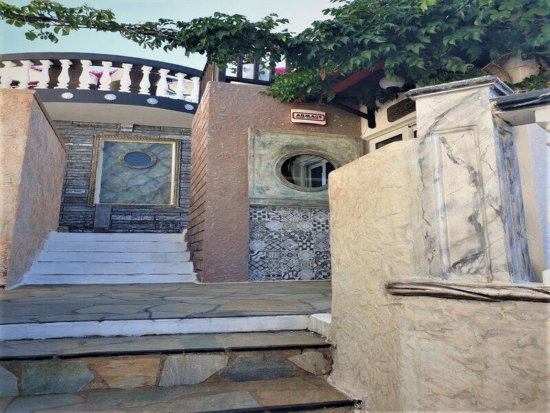 Maistros - Korifi Suites, location de vacances à Piskopiano