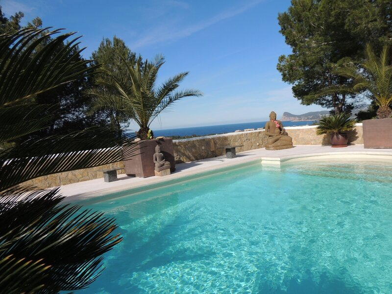 Privat Villa in Asian setting - Buddha can - IBIZA, holiday rental in Port d'es Torrent
