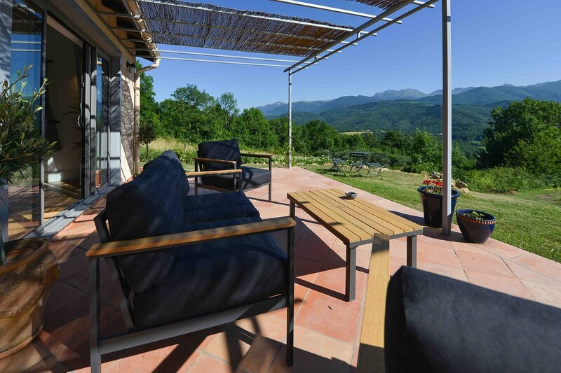 Luxury countryside cottage with mountain views, holiday rental in Les Monts d'Olmes