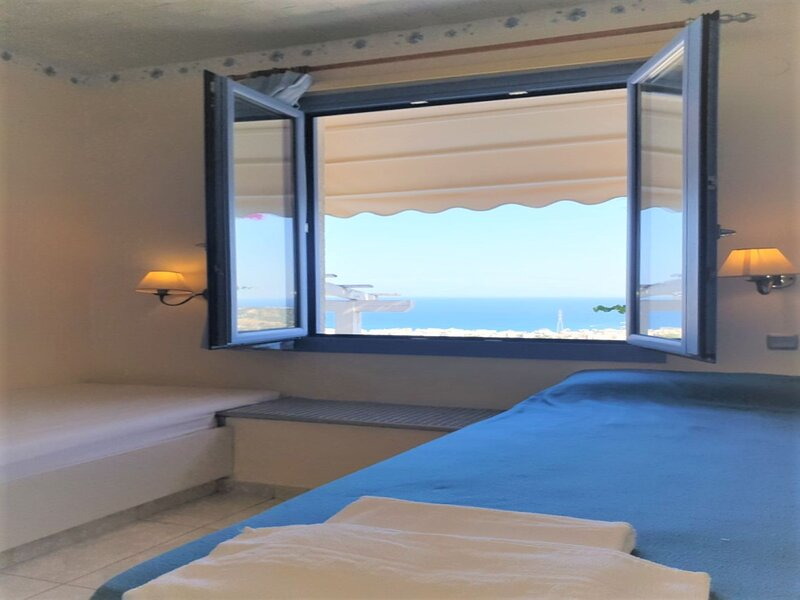 Suite 21 full view Adults Only, location de vacances à Piskopiano