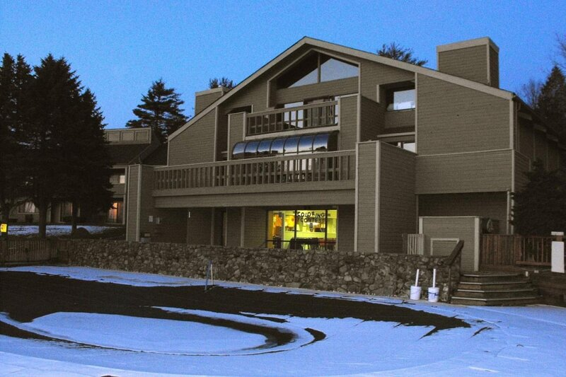 Hosteeva |Spacious Wallenpaupack 1BR Tanglwood Resort Condo, vacation rental in Honesdale