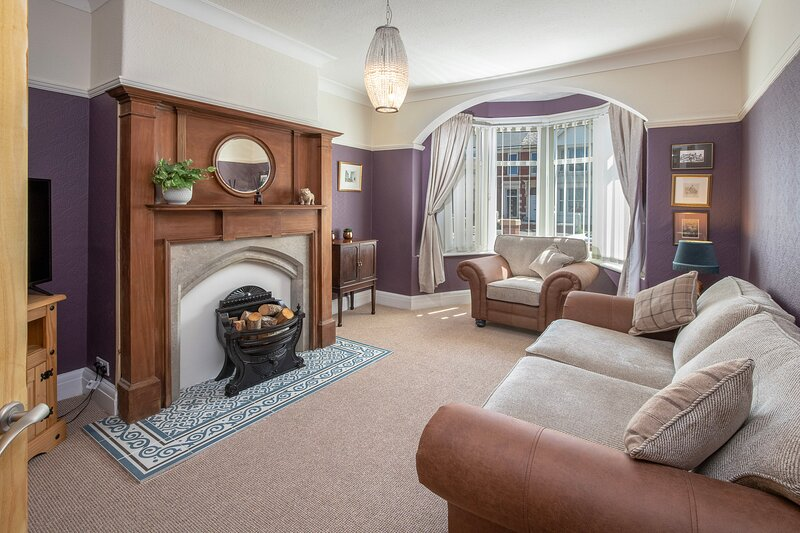 Luxury 2-Bed Apartment in Blackpool, holiday rental in South Shore