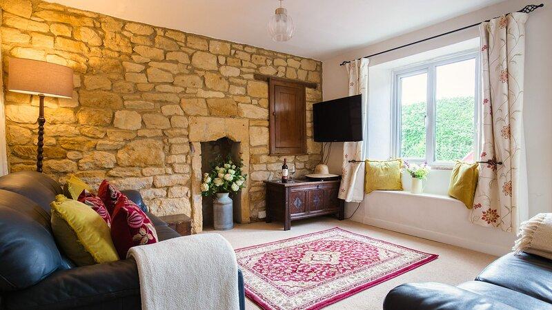 Lark Rise Cottage, Blockley - sleeps 5 guests  in 3 bedrooms, holiday rental in Blockley