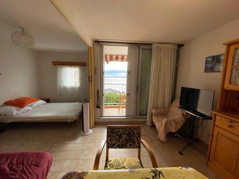 Loc. Saisonnière - Ref 202 - Studio coin nuit 25m² avec balcon face étang, holiday rental in Bouzigues