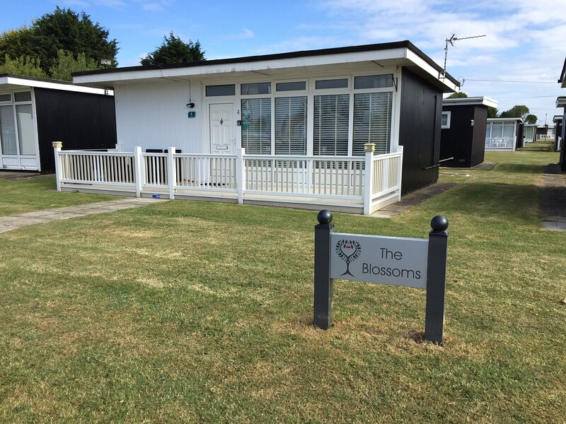 Holiday Chalet 4 Rent, holiday rental in Chapel St. Leonards