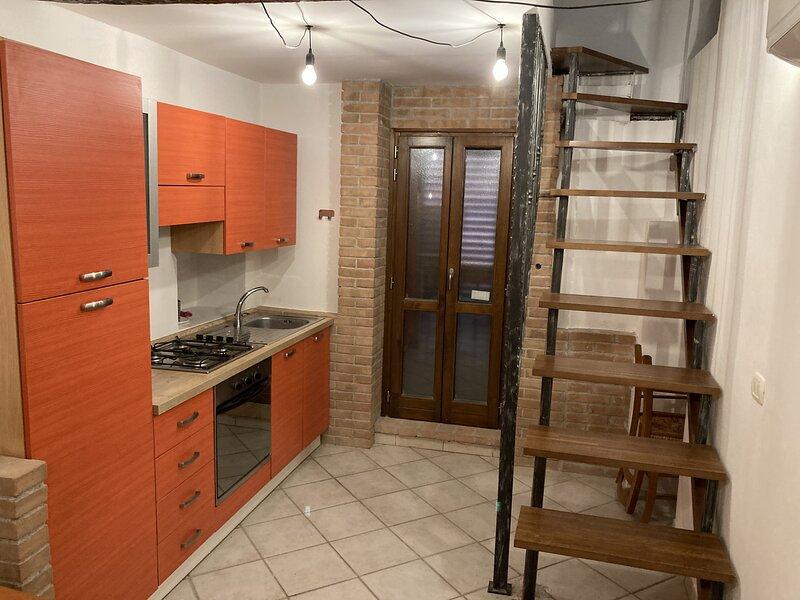APPARTAMENTO SUL CASTELLO, alquiler vacacional en Sant'Angelo in Lizzola