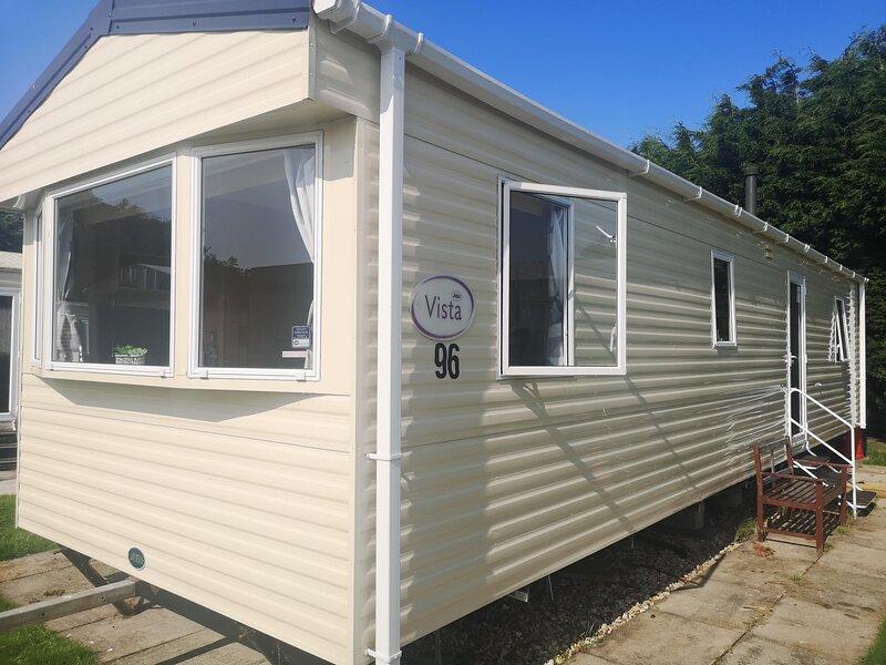 Brilliant caravan with games console at Southview Holiday Park ref 33096F, aluguéis de temporada em Burgh le Marsh