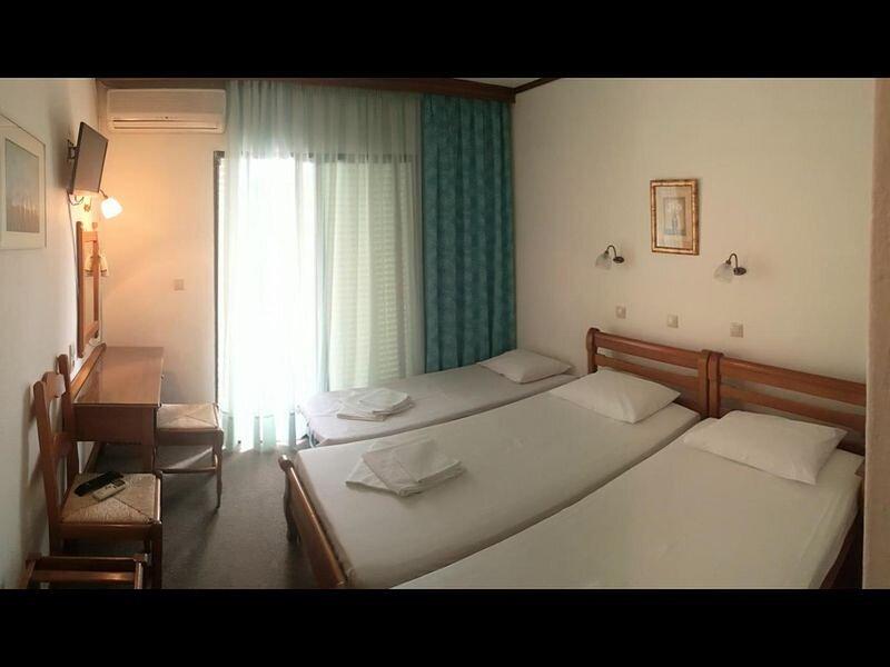 Vlachogiannis Hotel - Triple Room 3, vacation rental in Skala Kallirachis