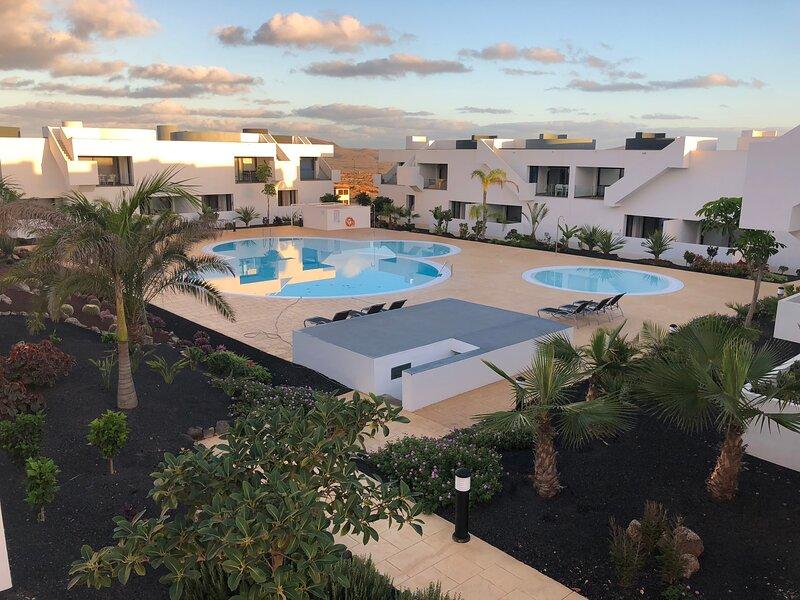 Luxury apartment Pool view Fuertaventura, vacation rental in Villaverde