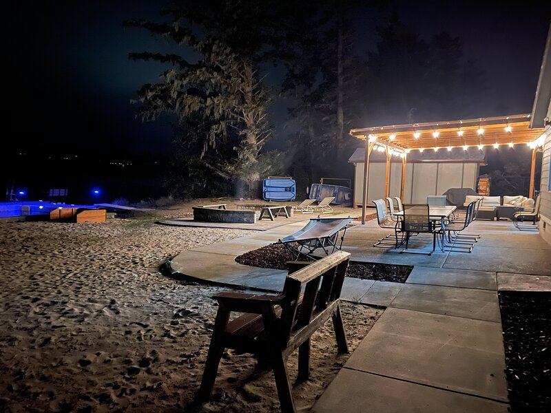 Ultimate Lakefront Vacation Rental where memories made here last a lifetime., vacation rental in Warrenton