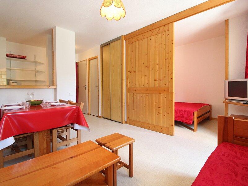 PMA018 Appartement 4 pers - Résidence au pied des pistes avec belle vue sur le, holiday rental in Termignon