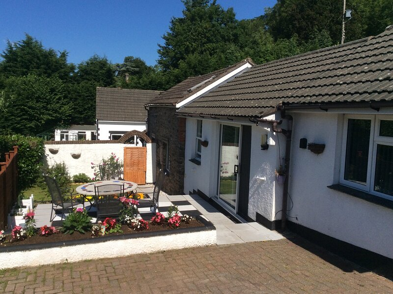 Charming 3-Bed Cottage Exmoor near Barnstaple, vacation rental in Bratton Fleming