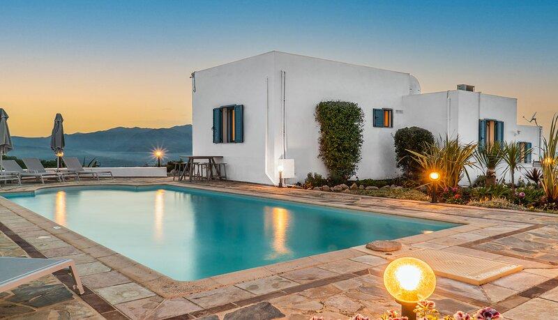 Great Villa with Swimming pool, Rethymno, Greece, alquiler vacacional en Kaloniktis