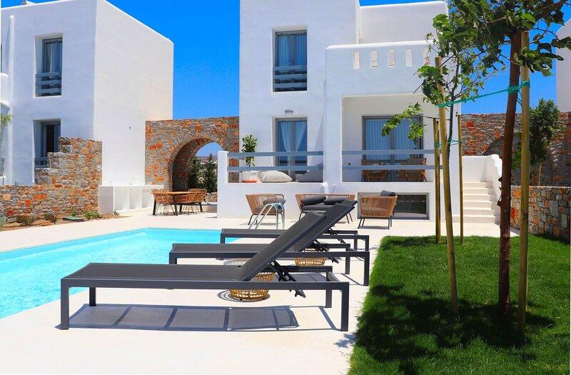 The Nine Graces - Villa Mia, holiday rental in Pyrgaki