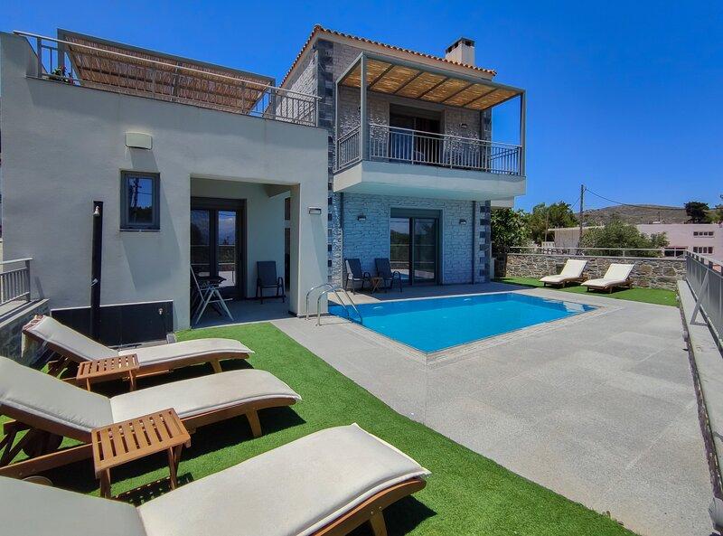 Beautiful villa,Private pool,Near Plakias & south Crete, alquiler de vacaciones en Roustika