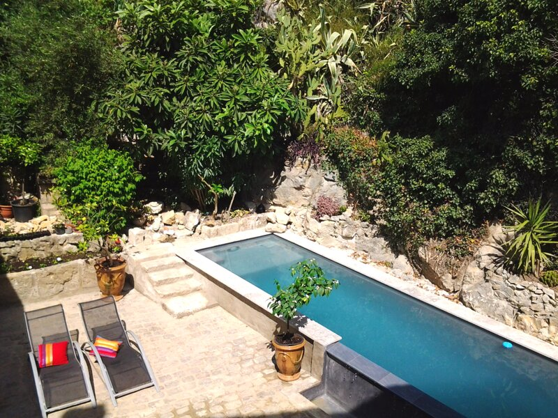 Spacious house with swimming-pool – semesterbostad i Domazan