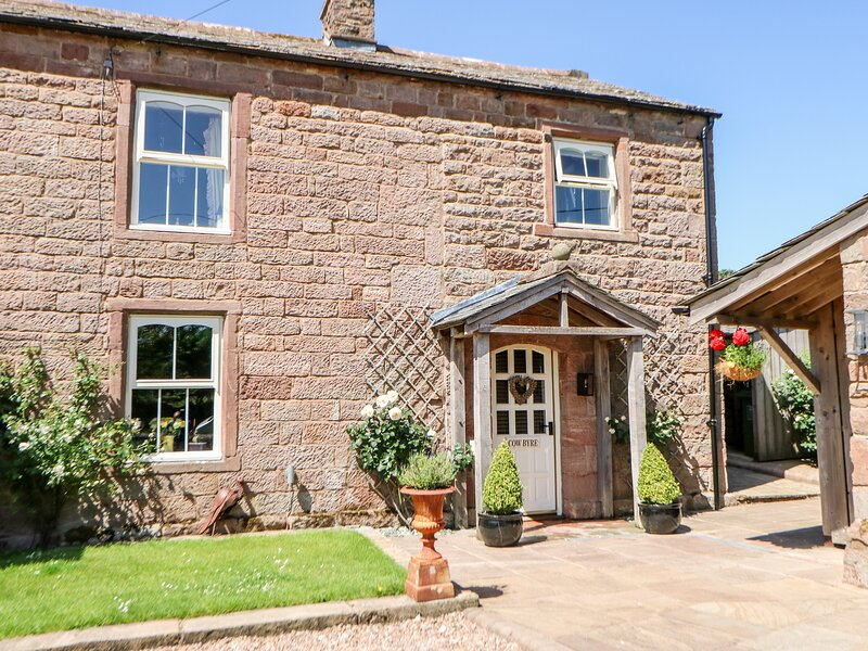 THE COW BYRE , romantic, luxury holiday cottage, with open fire in Barras, Ref, location de vacances à Brough Sowerby