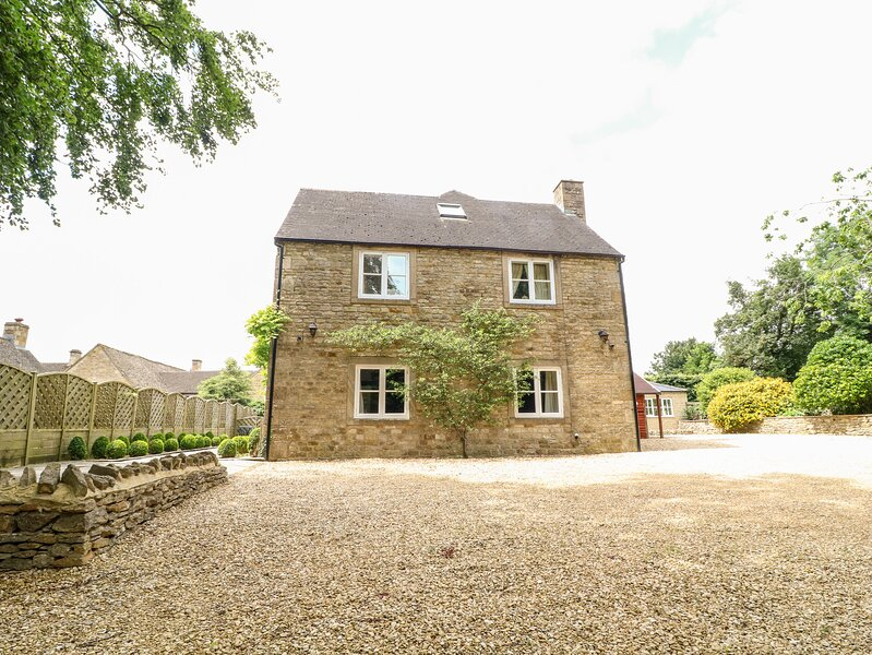 South Hill Farmhouse, Stow-On-The-Wold, location de vacances à Swell